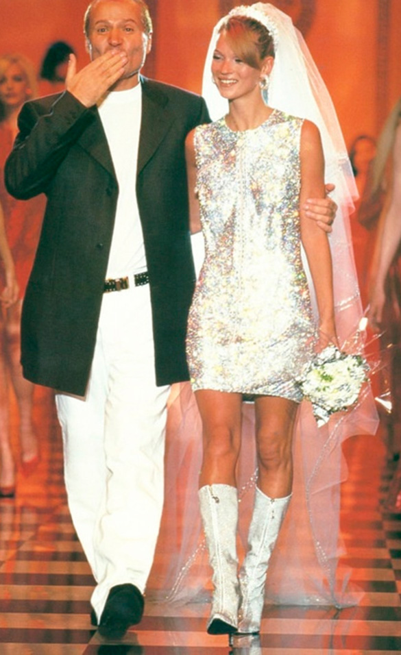 los vestidos más representativos de gianni versace - marie claire