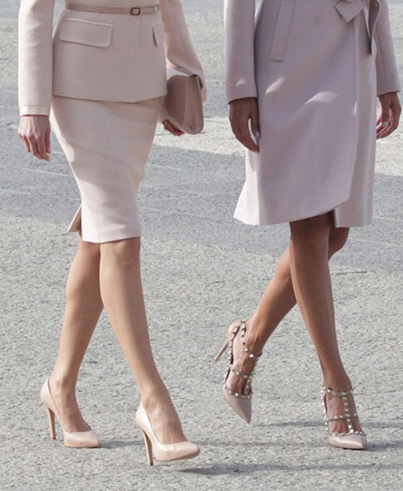 02ed92f9 Mientras que el de Juliana fue combinado con zapatos firmados por Valentino.