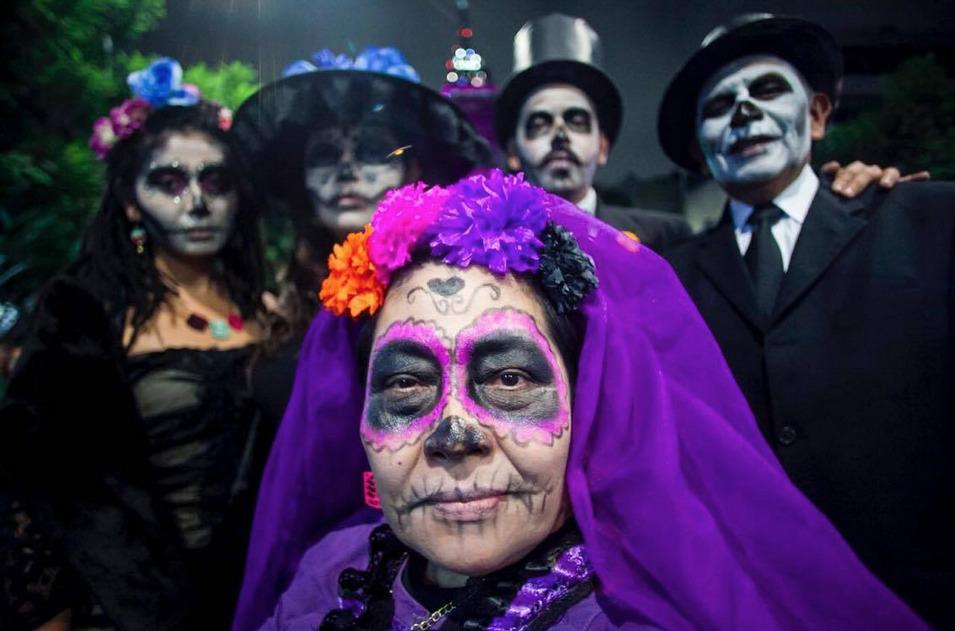 Hermosas Princesas Como Catrinas Invadieron La Ciudad De México Tu