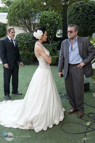 El vestido de novia novela
