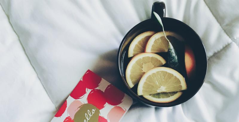 Beneficios de tomar un vaso de agua con jugo de limon en ayunas