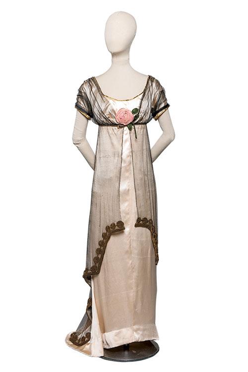 764d15fe6 Siglo XVIII: la moda la impone Versalles