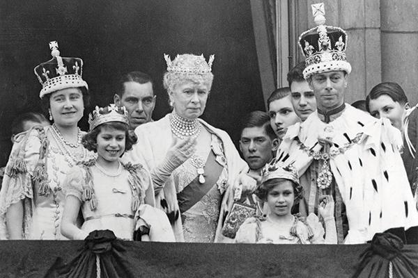 Isabel Ii Demandada Por Un Diamante Vanidades