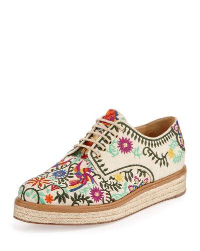 La tendencia de los bordados llegó a los zapatos - Vanidades